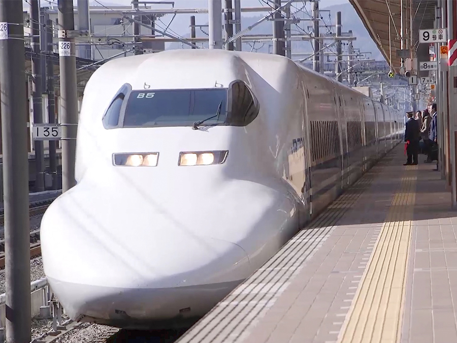 Company plans first U S  bullet train, opponents doubt viability